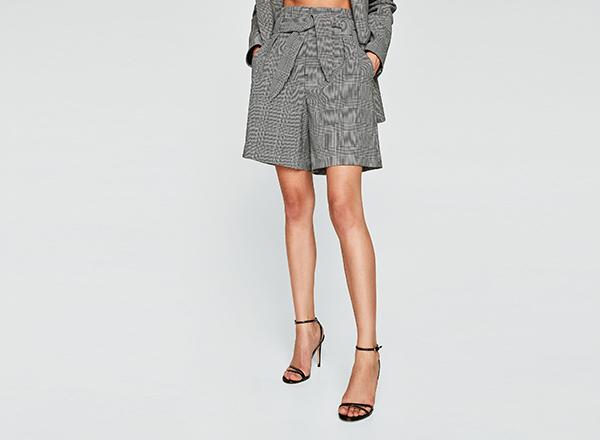 pantaloni bermude cu carouri Zara