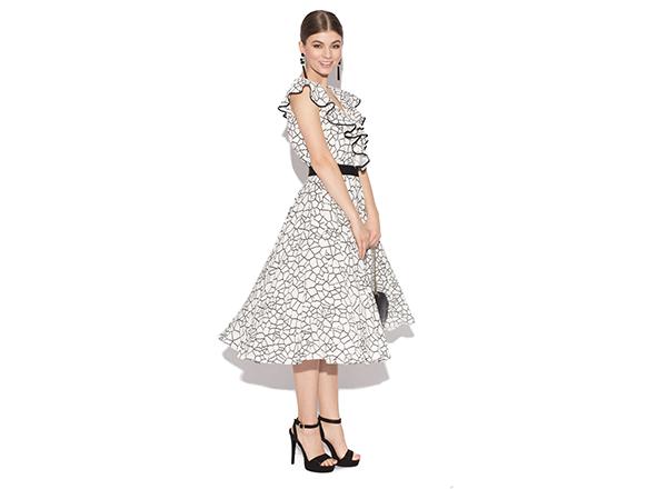 rochie cu volane Nissa
