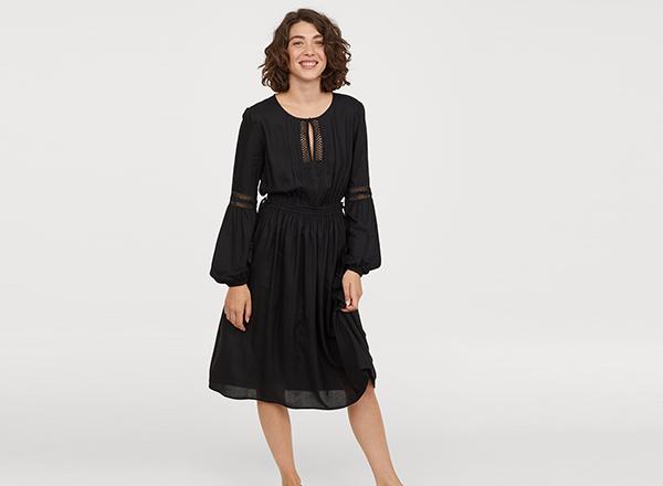 rochie neagra cu maneci lungi HM