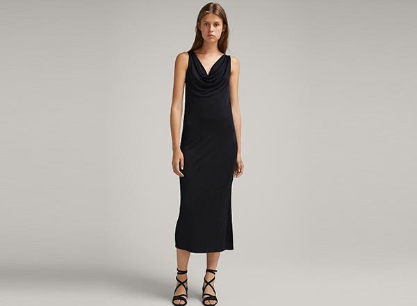 rochie neagra drapata Massimo Dutti