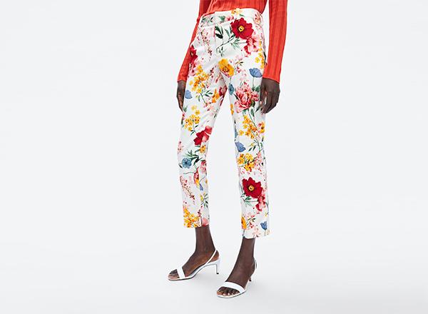 pantaloni cu print floral multicolor Zara