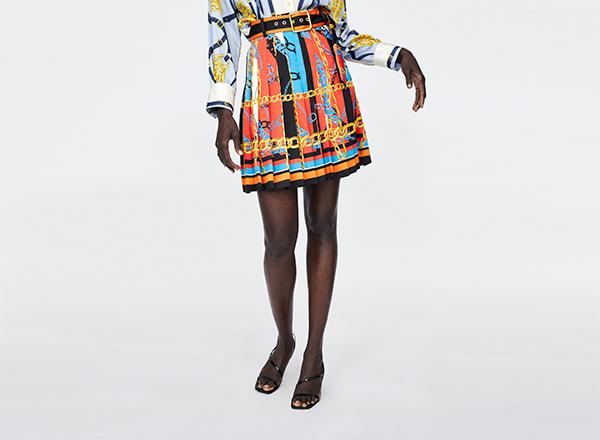fusta mini cu imprimeu lanturi Zara