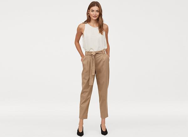 pantaloni bej din bumbac si vascoza H&M
