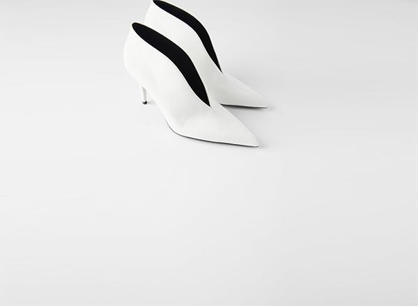 botine albe decupate Zara