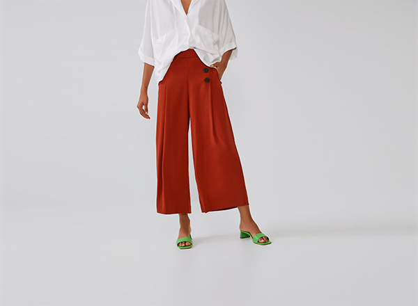 pantaloni cropped Zara