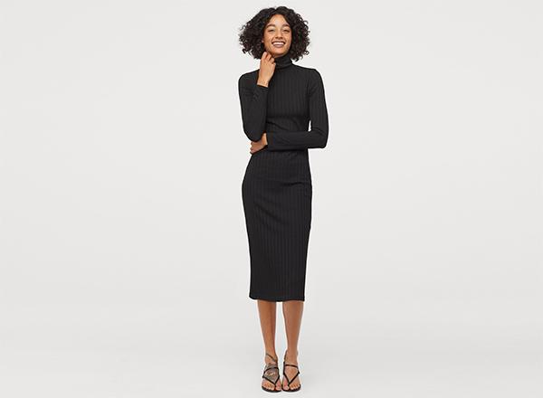 rochie neagra cu guler inalt H&M