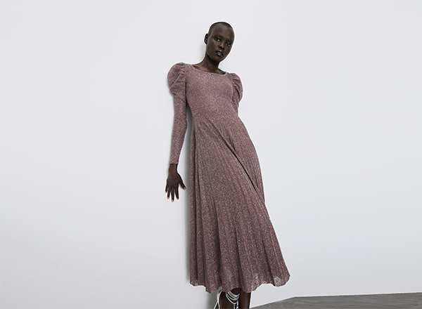 rochie roz cu fir metalizat Zara