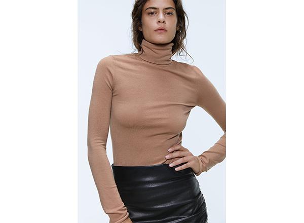 helanca fina din lana merinos Zara