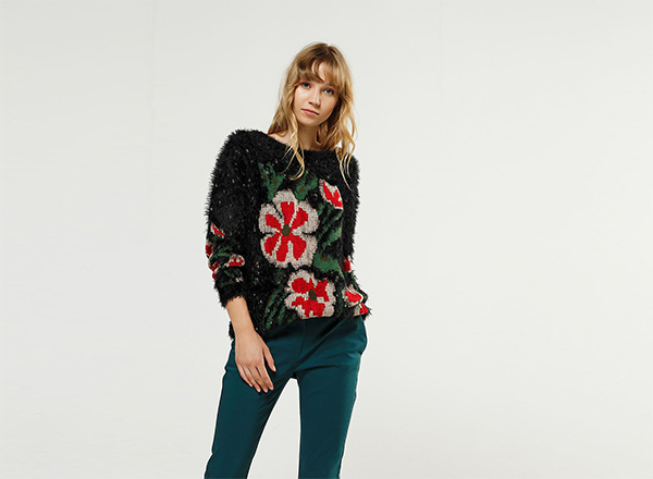 pulover pufos cu flori BSB