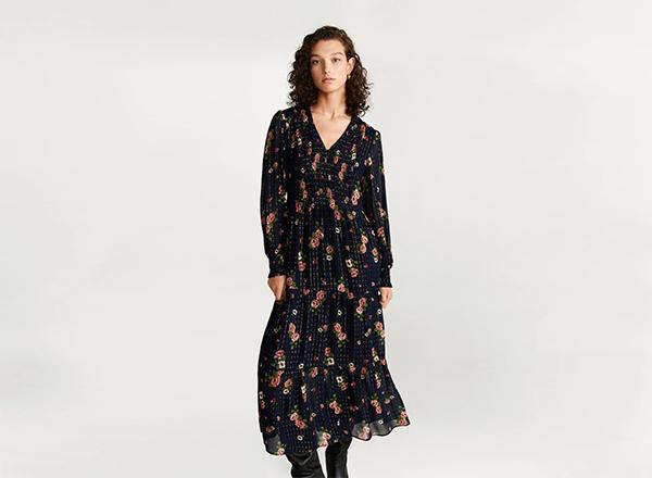 rochie cu flori pe fundal negru Mango