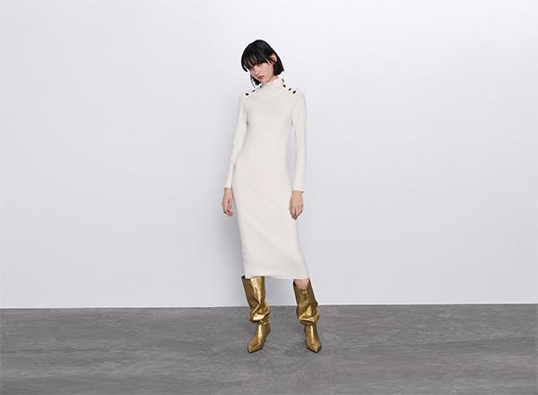 rochie dreapta cu nasturi aurii Zara