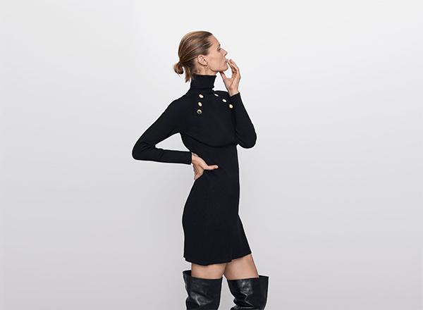 rochie mini cu nasturi Zara