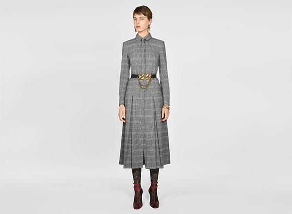 rochie plisata in carouri Zara