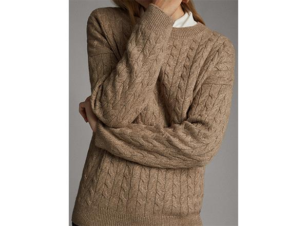 pulover bej cu fir metalic si torsade Massimo Dutti