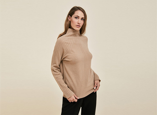 pulover bej cu torsade Stefanel