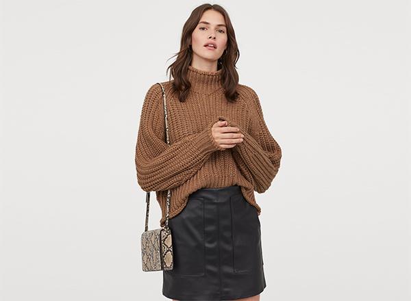 pulover cafeniu cu torsade H&M