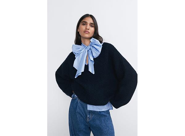 pulover cu decolteu adanc V Zara