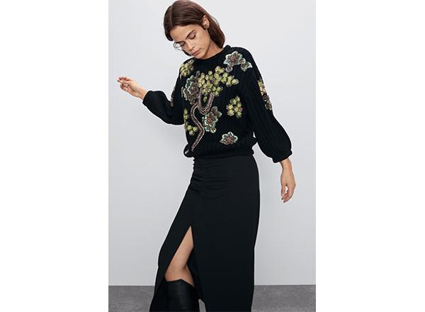 pulover cu flori din paiete Zara