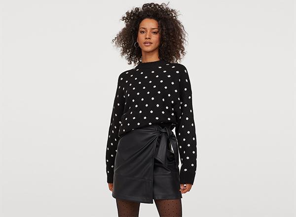 pulover negru cu buline albe H&M