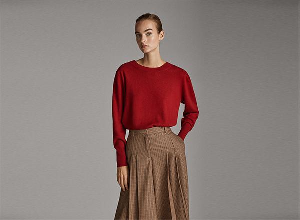 pulover rosu cu maneci bufante Massimo Dutti