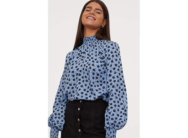 bluza cu guler inalt si imprimeu floral HM
