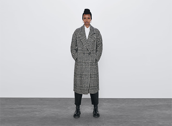 palton in carouri alb-negru Zara