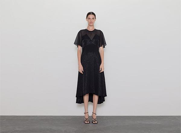 rochie neagra din satin si voal Zara