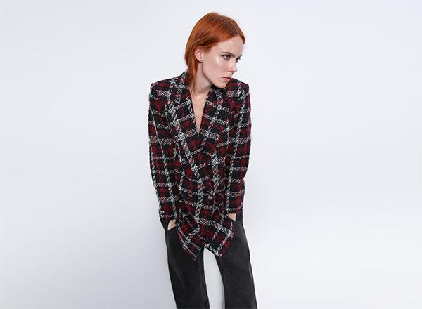 sacou din tweed la 2 randuri in carouri negru-rosu Zara