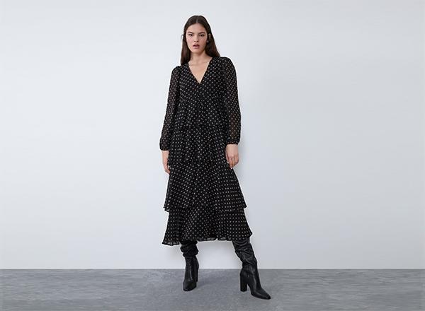 rochie midi cu volane si buline bej Zara