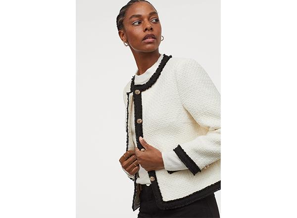 sacou din tweed alb cu bordura neagra H&M